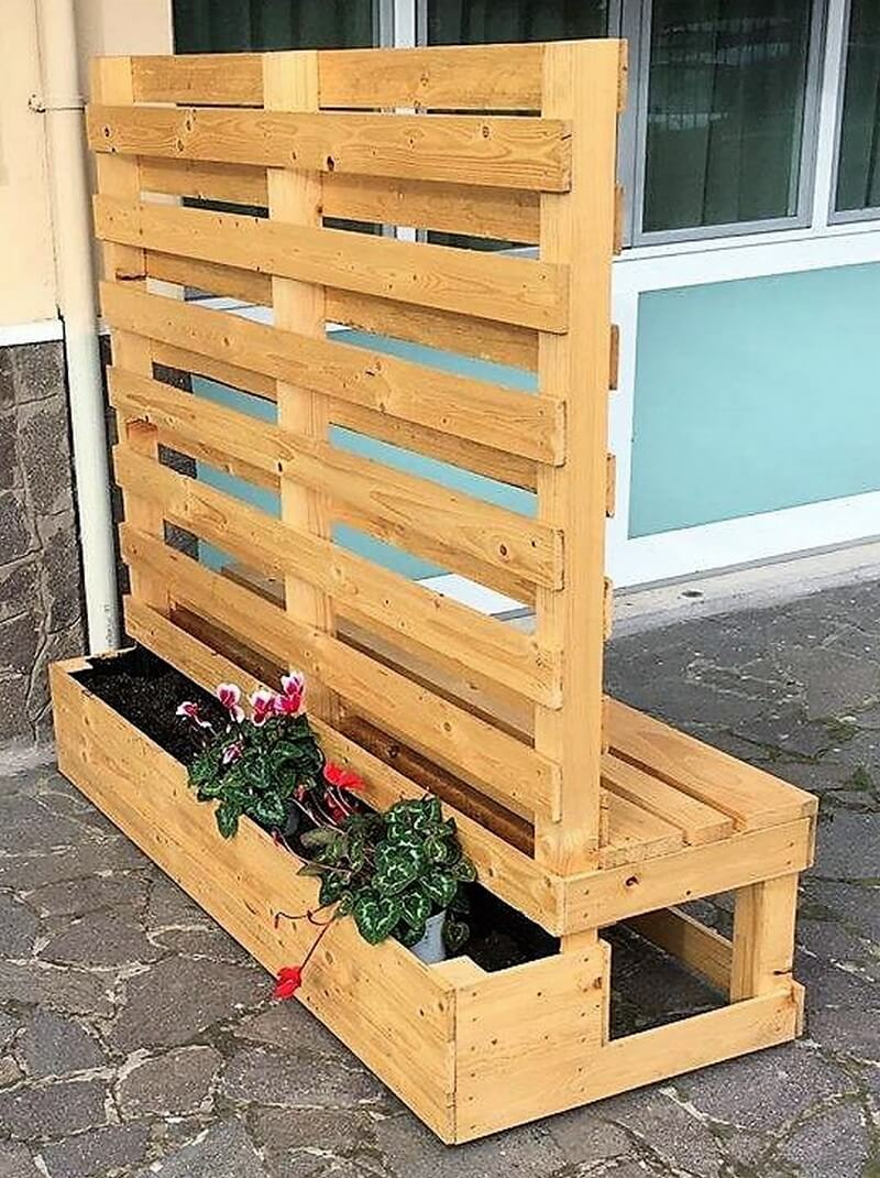pallet planter with attached bench