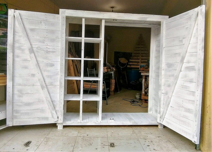 recycled pallet closet project 2