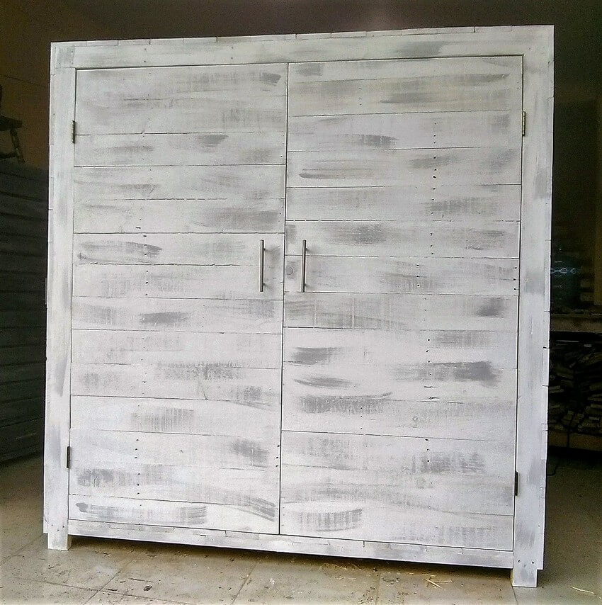 recycled pallet closet project 3